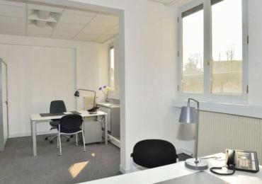 Nos bureaux - Bureau 23m2 orienté plein Sud. Il est lumineux toute la journée.